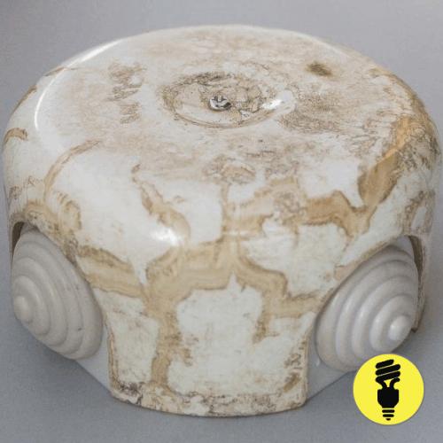 Распаечная керамическая коробка D90 Мрамор
