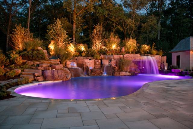 Светодиодная лента для освещения бассейна