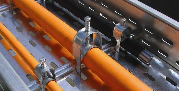 Прокладка кабеля. Фурнитура для кабельных лотков