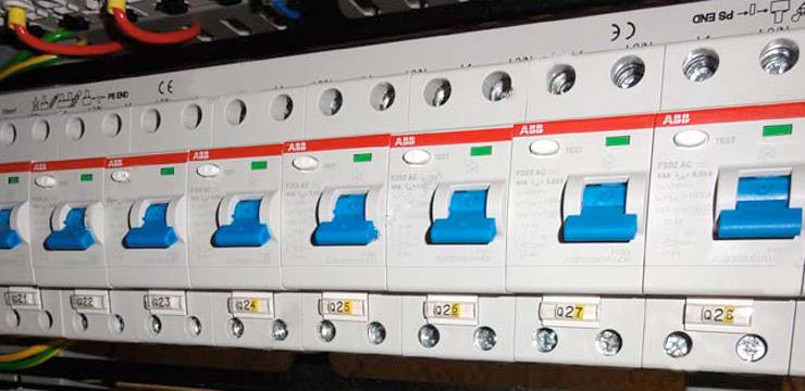 УЗО ABB F202 для обеспечения правильной работы оборудования