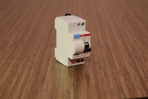 Дифференциальные автоматы ABB DSH 941R. Линия ABB Compact Home