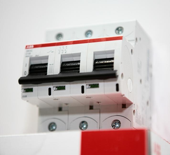 Автоматические выключатели ABB - опыт более чем 60-летнего производства